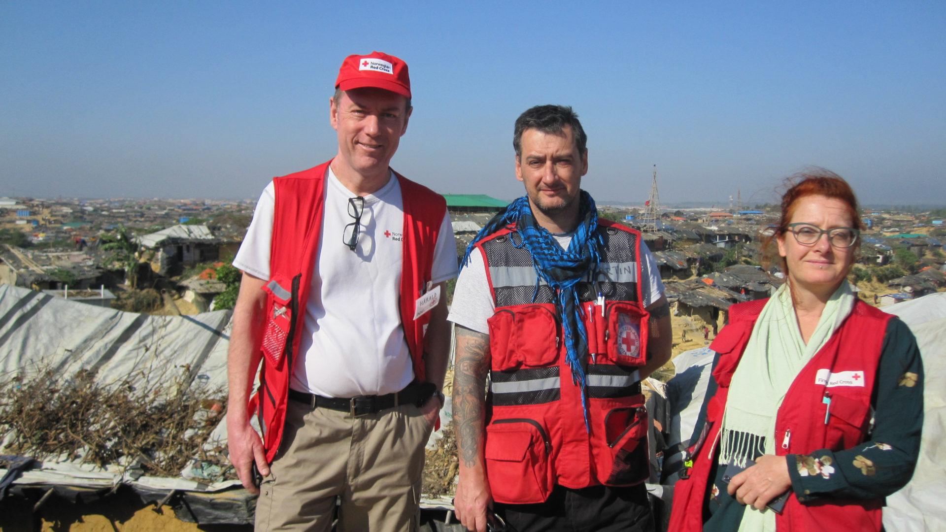 Røde Kors-team: Harald Sunde, Martin (Derry, Irland) og Charlotte (Danmark)